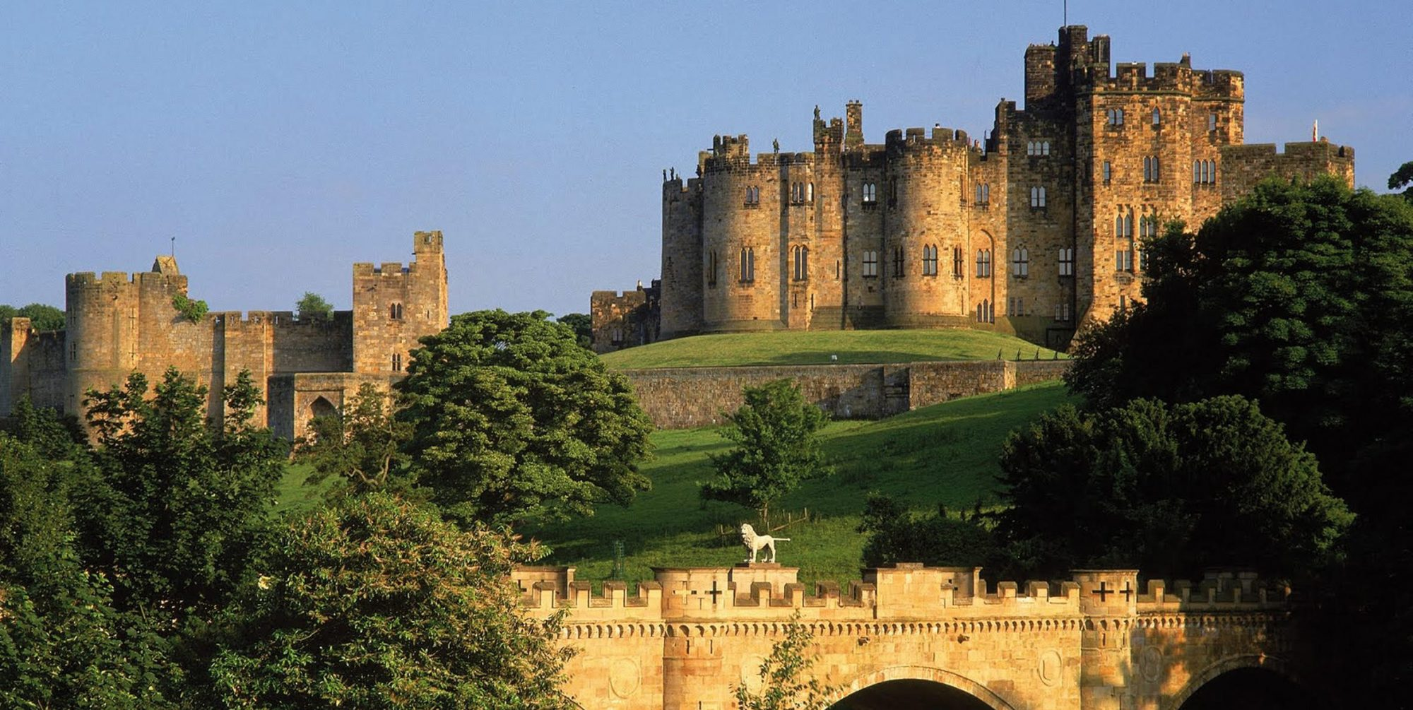 Alnwick Castle With Bridge Aspect Ratio X